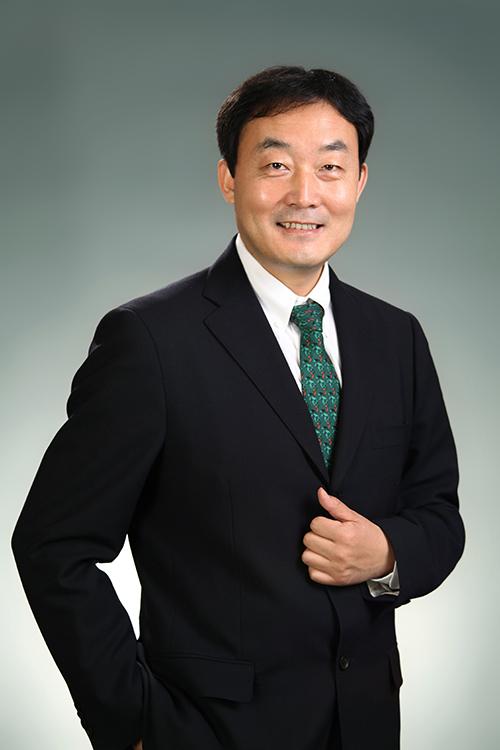 美卓-梁晓峰-理事长.jpg